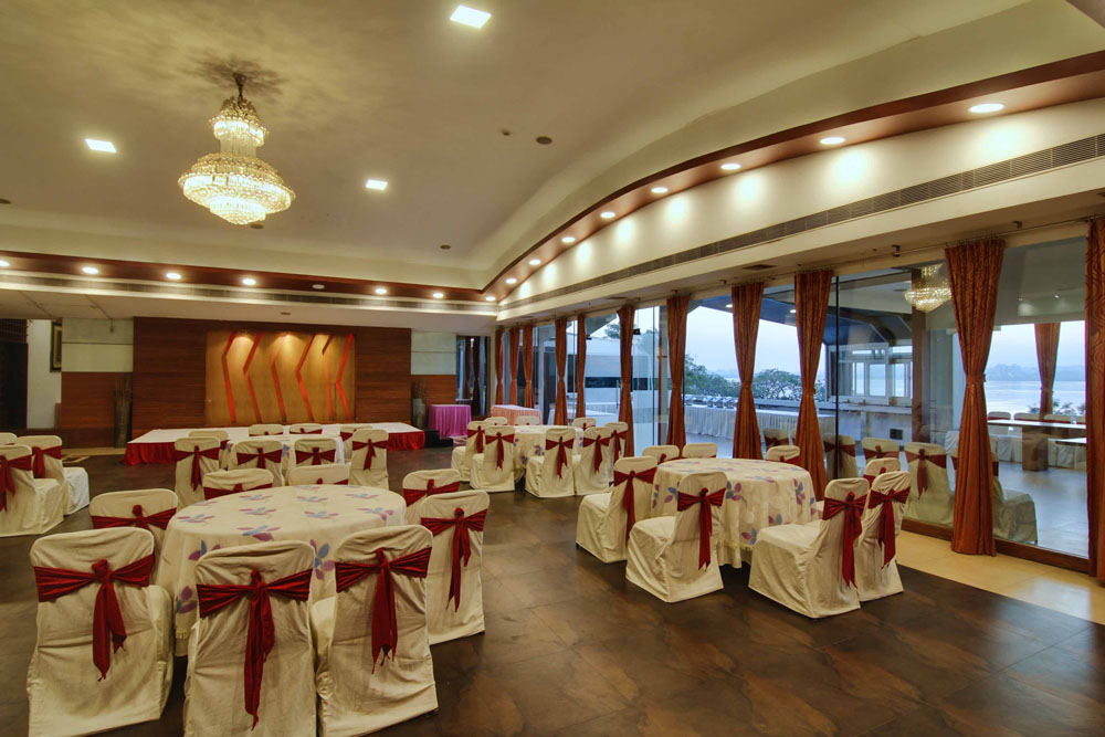 Wedding Halls Near Me.Banquet Function Hall Necklace Road Moksh Banquet Party Hall